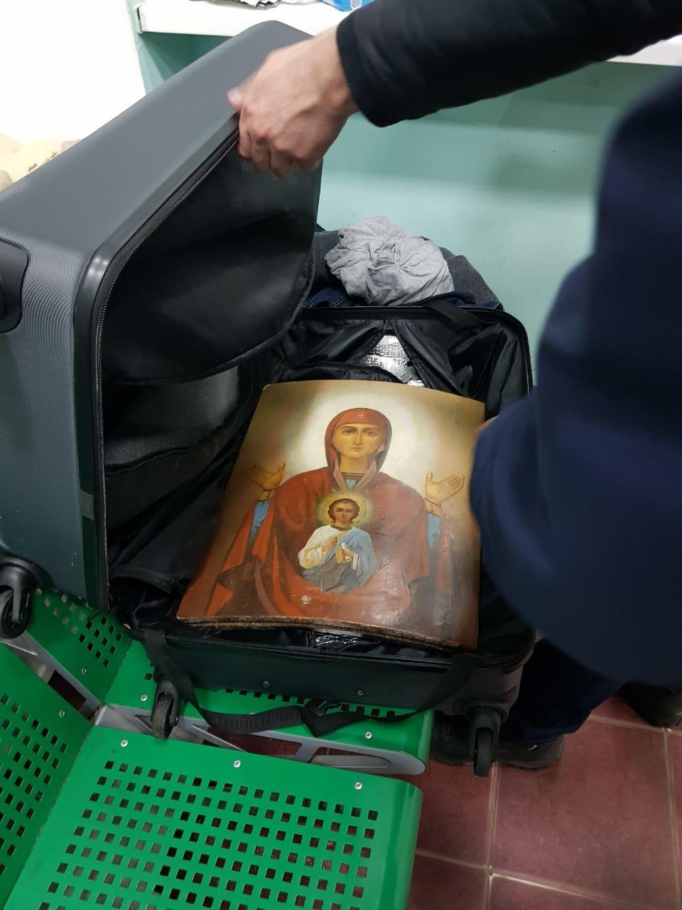 На Сумщині СБУ завадила незаконному вивезенню старовинних ікон до Росії, фото-1
