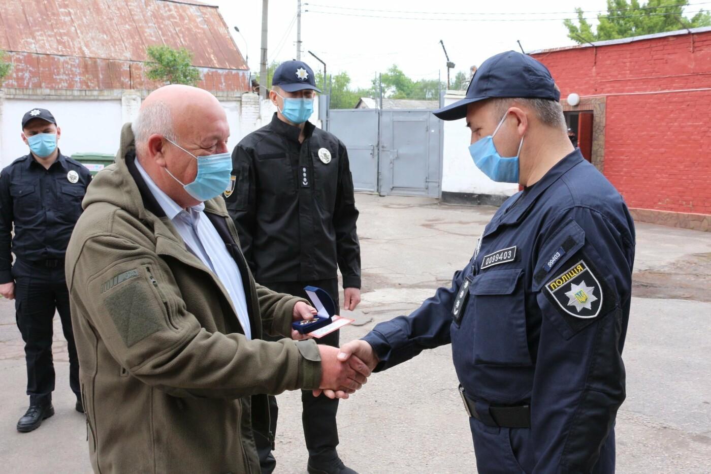 Керівник поліції Сумщини вручив бійцям спецпідрозділу «Суми» почесні відзнаки, фото-2
