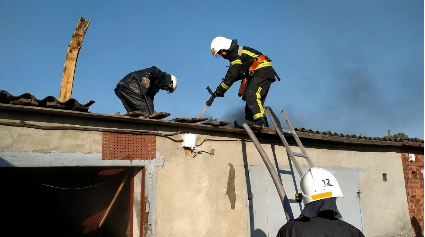 На Сумщині вогнеборці  запобігли масштабній пожежі в автогаражному  кооперативі, фото-2