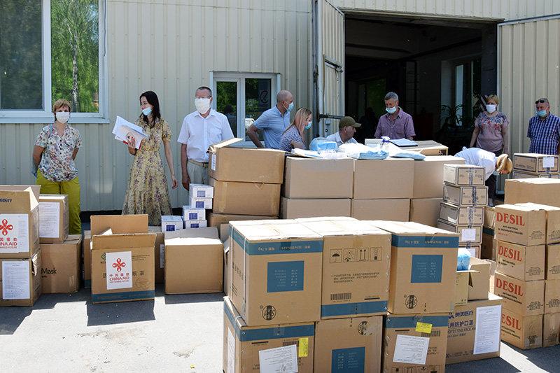 Лікарні Сумщини, де лікують хворих на Covid-19, отримали чергову гуманітарну допомогу, фото-3