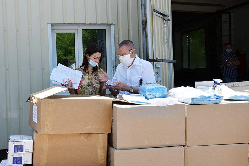 Лікарні Сумщини, де лікують хворих на Covid-19, отримали чергову гуманітарну допомогу, фото-6