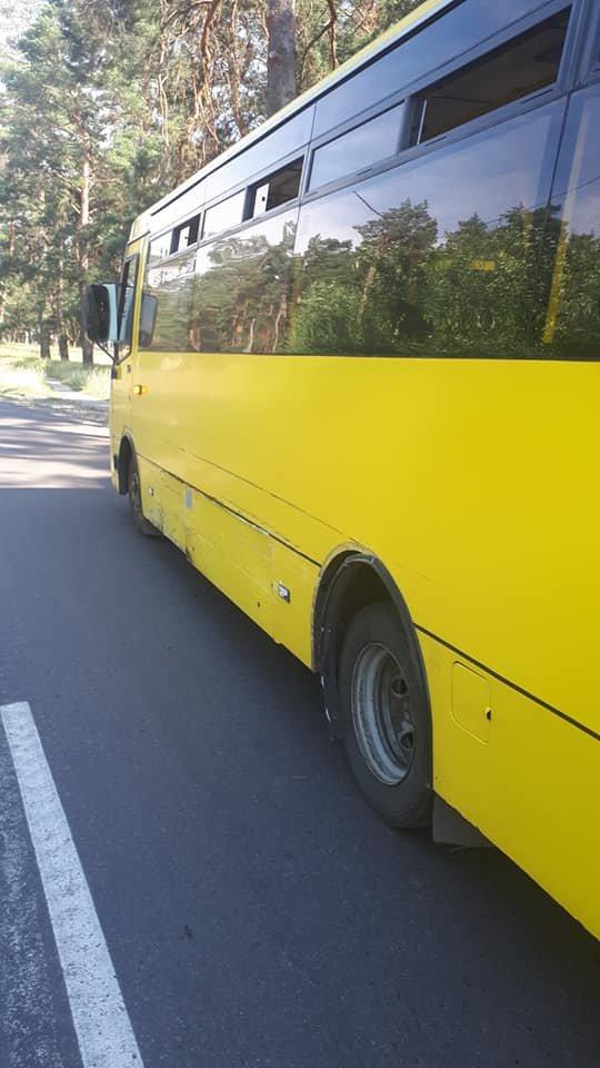 У Сумах водій «Ланоса», допустивши зіткнення з комунальним автобусом, зник з місця пригоди, фото-1