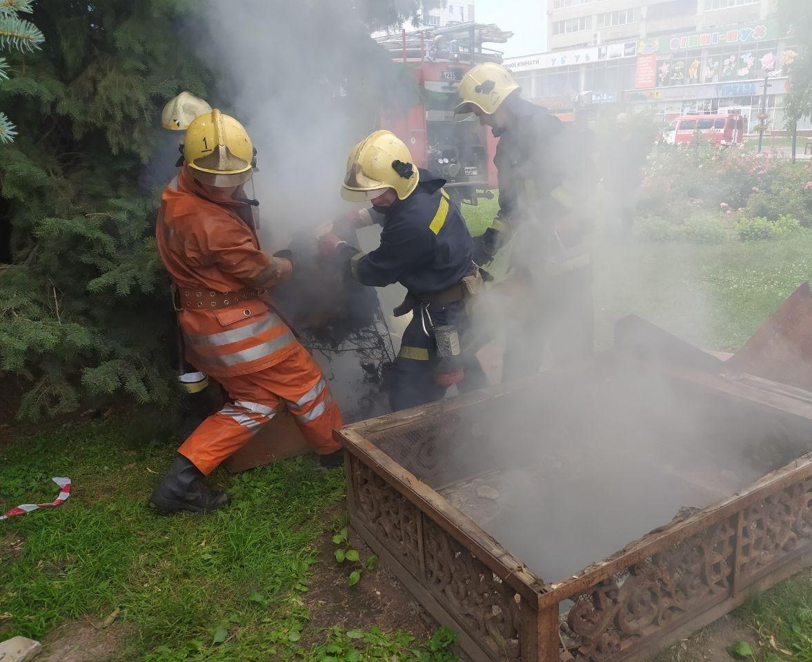 Стали відомі подробиці пожежі на Театральній площі у Сумах , фото-1