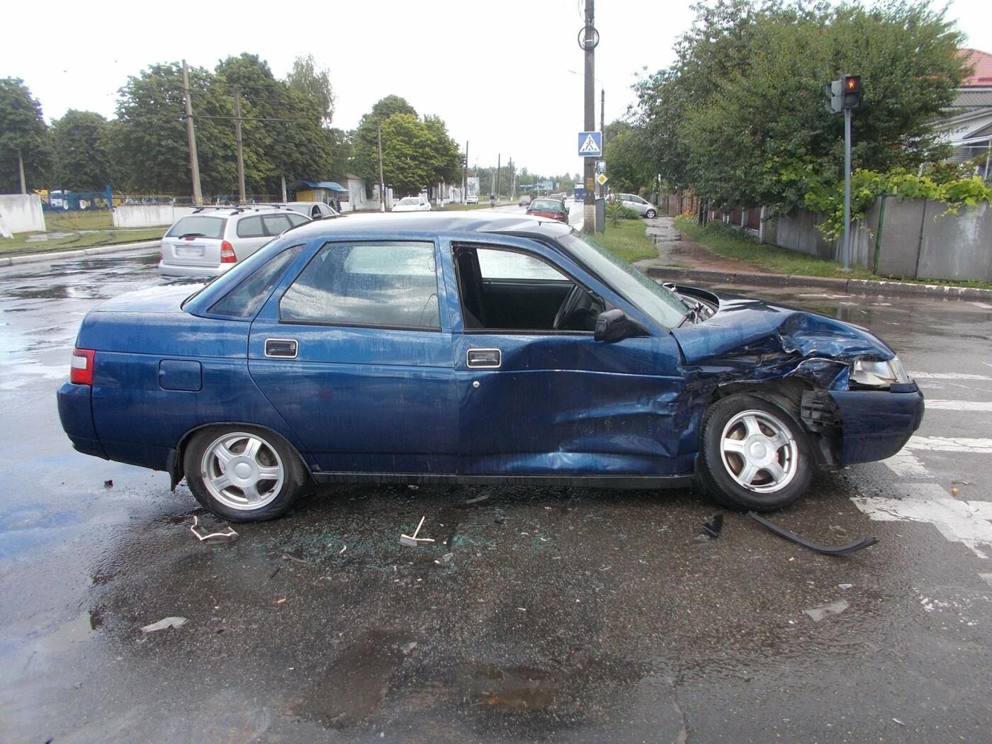 На Сумщині зіткнулися дві автівки – постраждали четверо осіб, серед яких вагітна жінка, фото-1