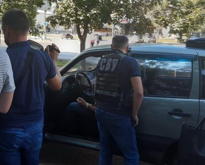 У Сумах на хабарі в 50 000 грн затримано одного з керівників  Державної екологічної інспекції у Сумській області, фото-1