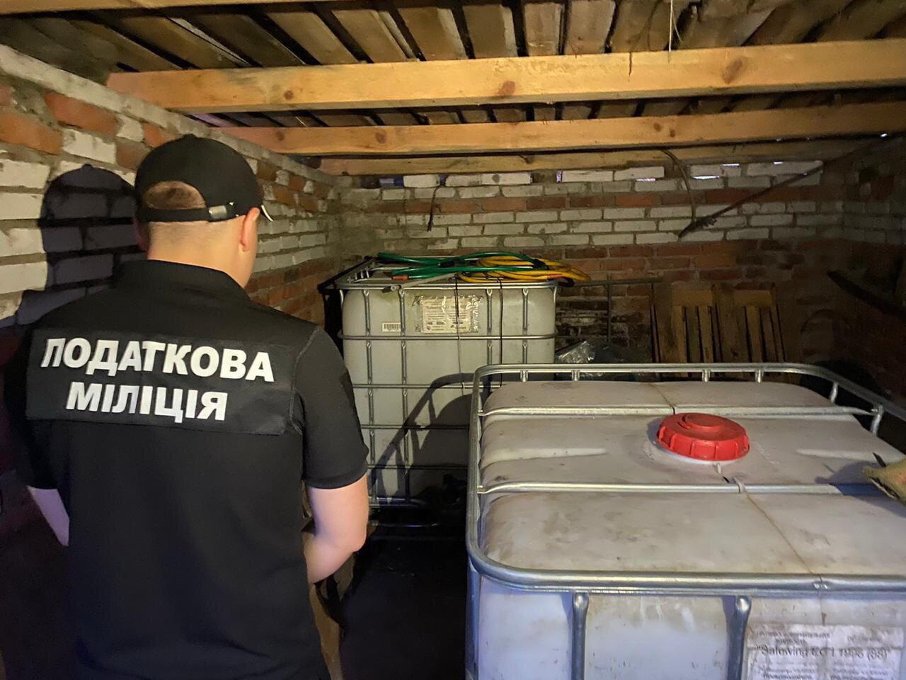 На Сумщині припинено підпільне виробництво лікеро-горілчаних виробів та цигарок , фото-3