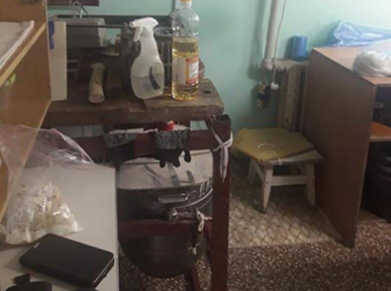 Повна антисанітарія: напівфабрикати на Сумщині виготовляли у гаражах , фото-1
