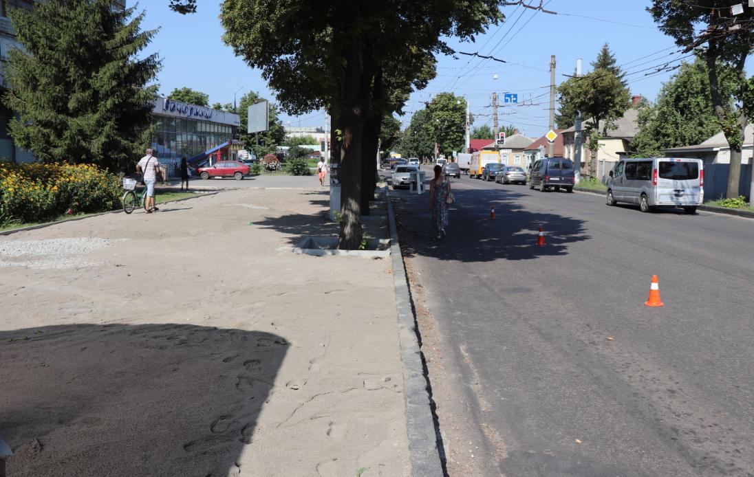 Протягом наступних трьох років в місті мають бути відремонтовані всі тротуари, – Олександр Лисенко, фото-1