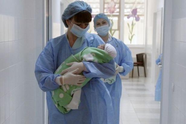 У Сумському пологовому будинку 6 хворих на COVID-19, фото-1