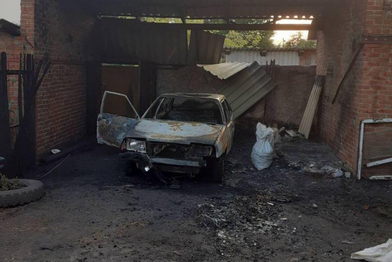 На Сумщині в гаражі загорілася автіка, фото-1
