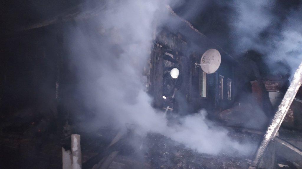 На Сумщині під час пожежі врятовано 22-річну мати, 4-місячне немовля та 4-річного хлопчика , фото-4