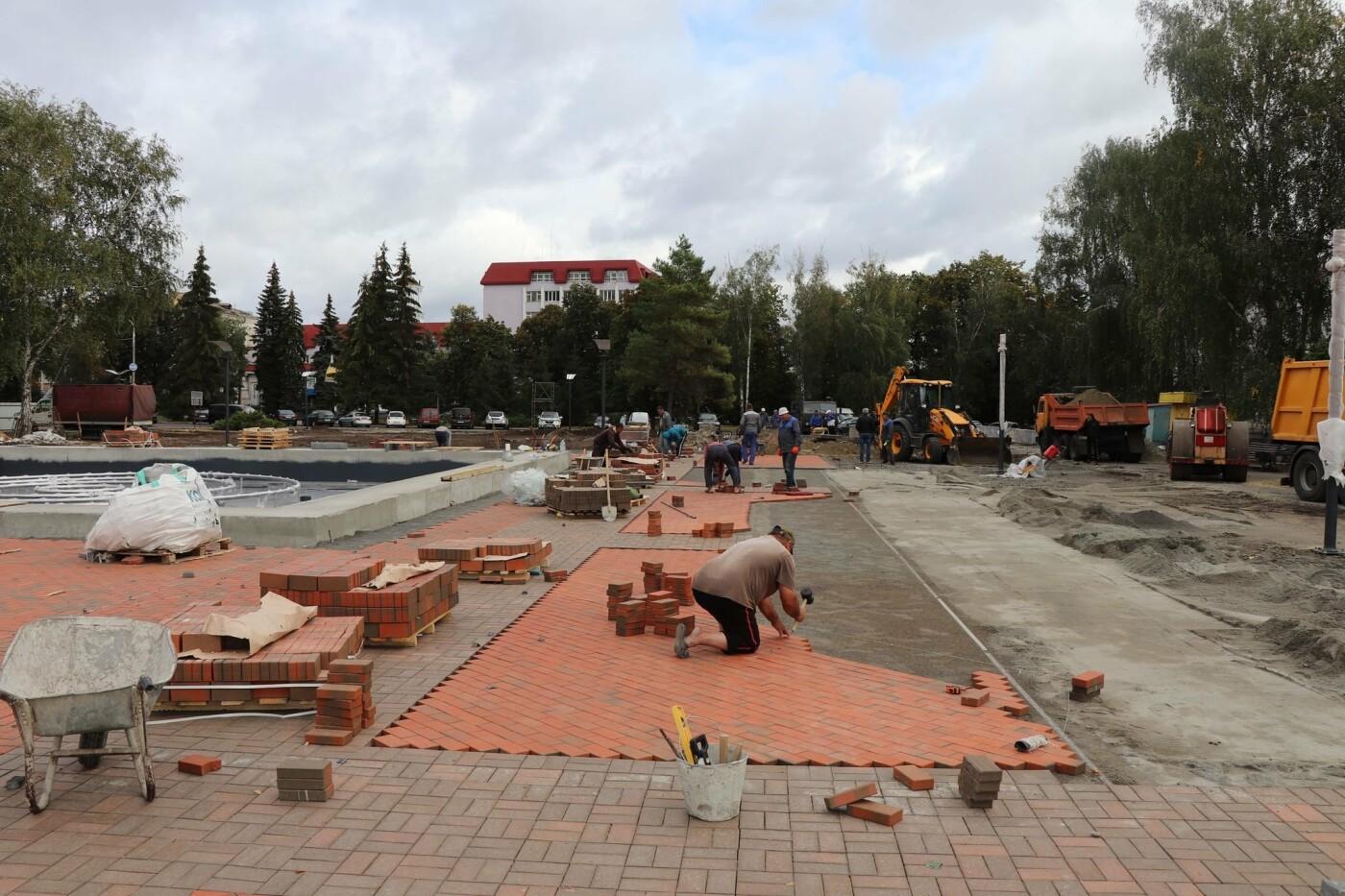 Олександр Лисенко: Роботи з реконструкції Театральної площі тримаю на особистому контролі, фото-3