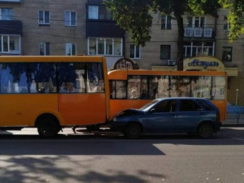 У Сумах сталася ще одна ДТП за участю маршрутки, фото-1