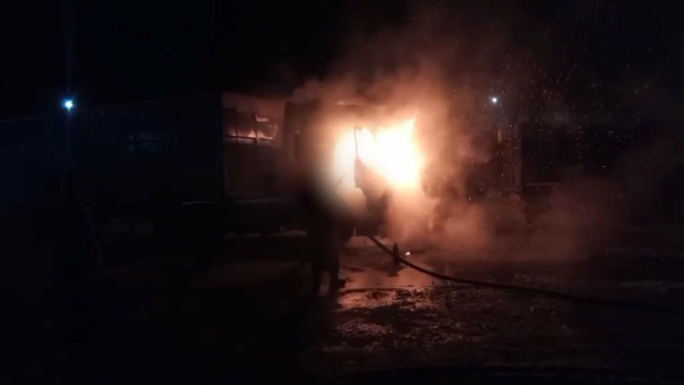 На Сумщині горіла вантажівка з кукурудзою, фото-2