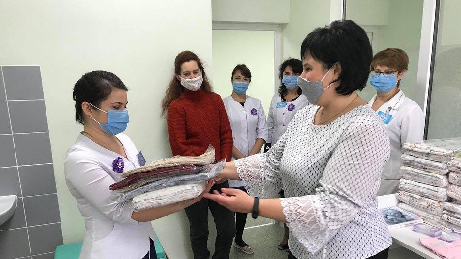 У Сумах благодійники передали речі для передчасно народжених дітей дитячої лікарні , фото-1