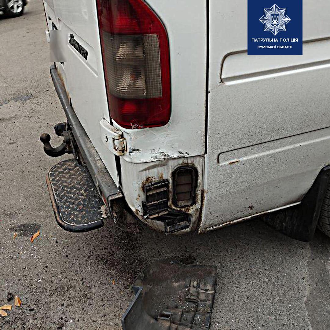 ДТП: у Сумах зіткнулися АЗЛК та Mercedes-Benz, фото-1