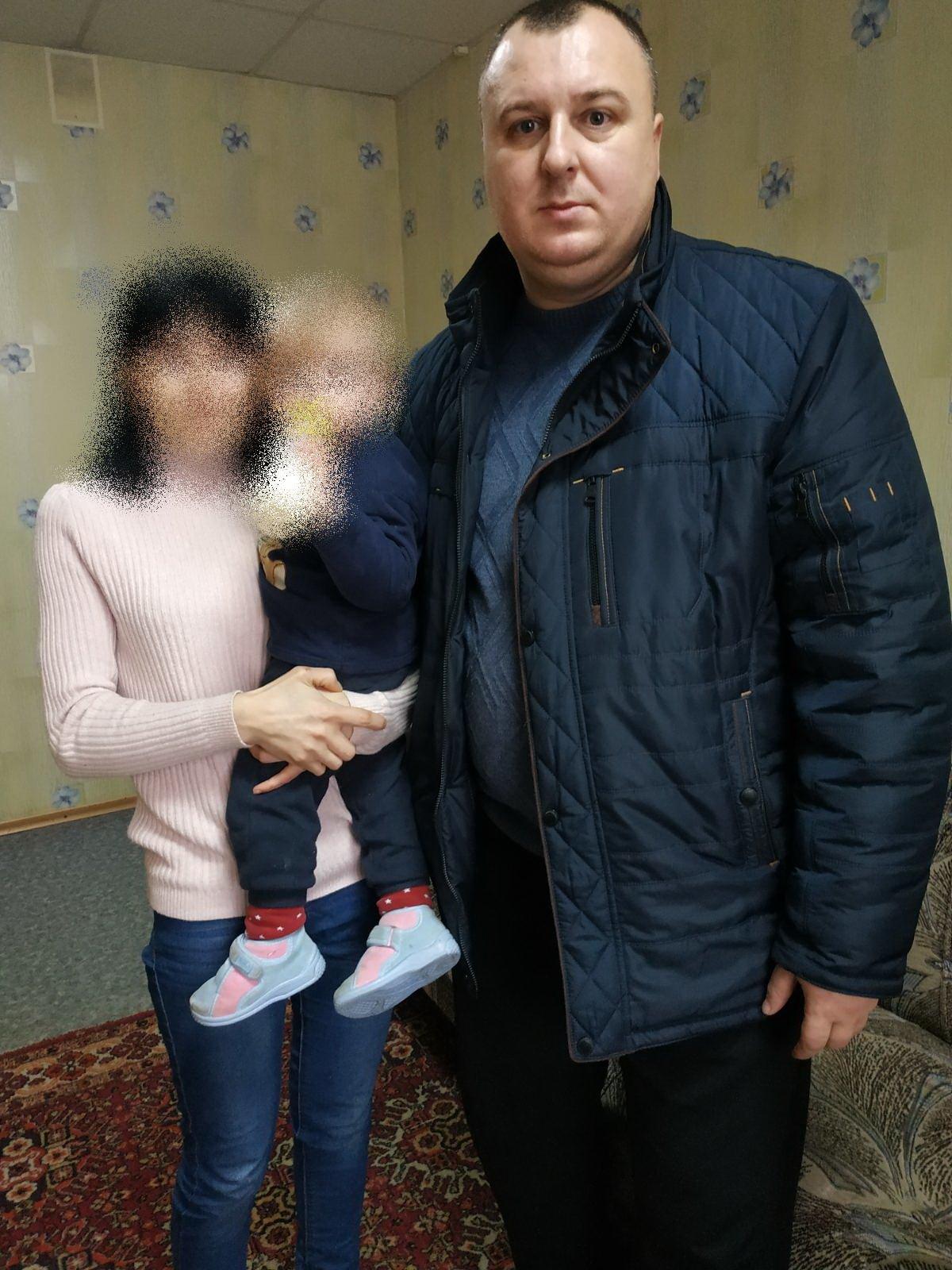 За добу у Сумах розшукали двох молодих жінок з їх малолітніми дітьми, фото-1