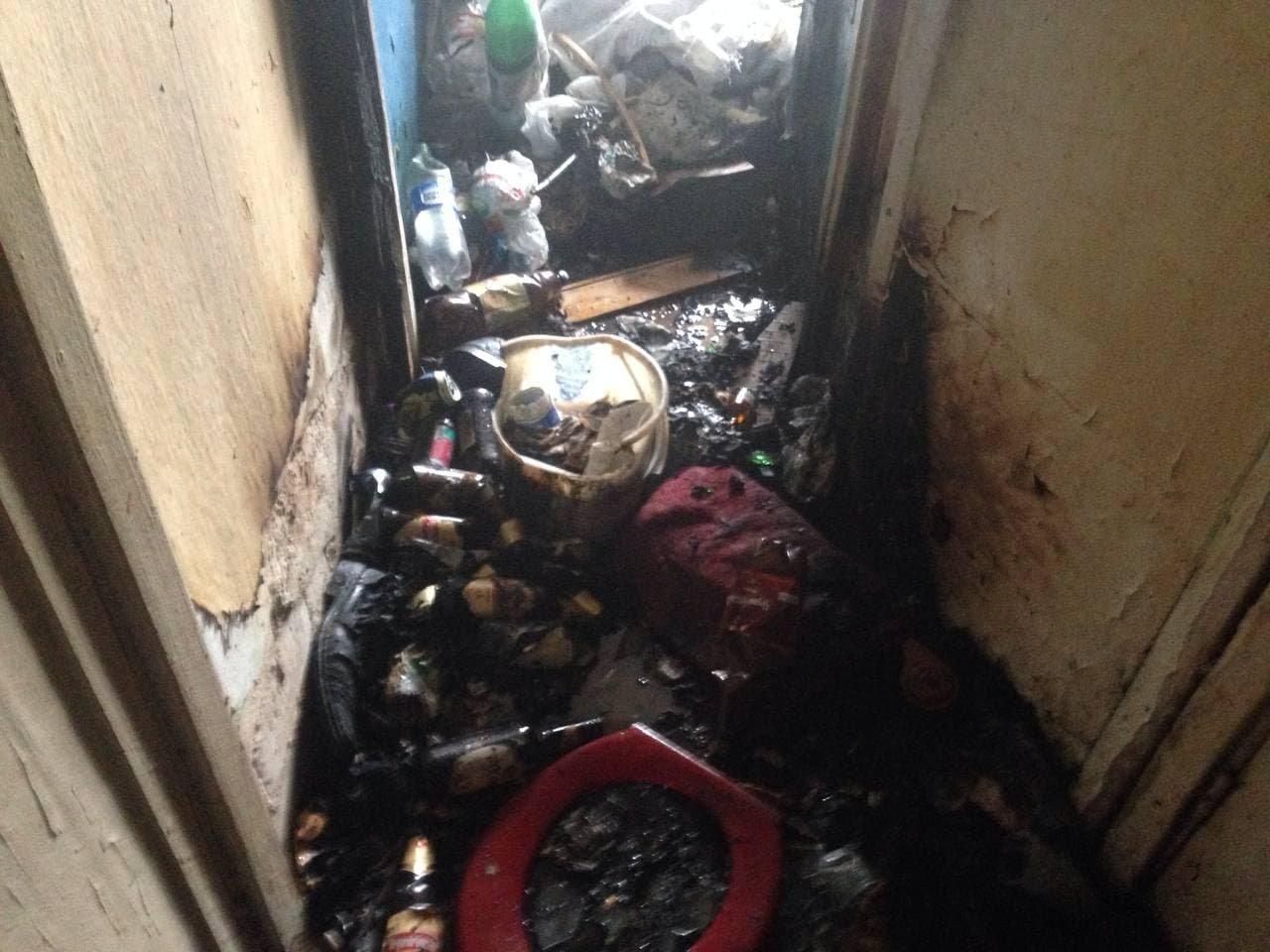 На Сумщині гасили сміття у квартирі, фото-1