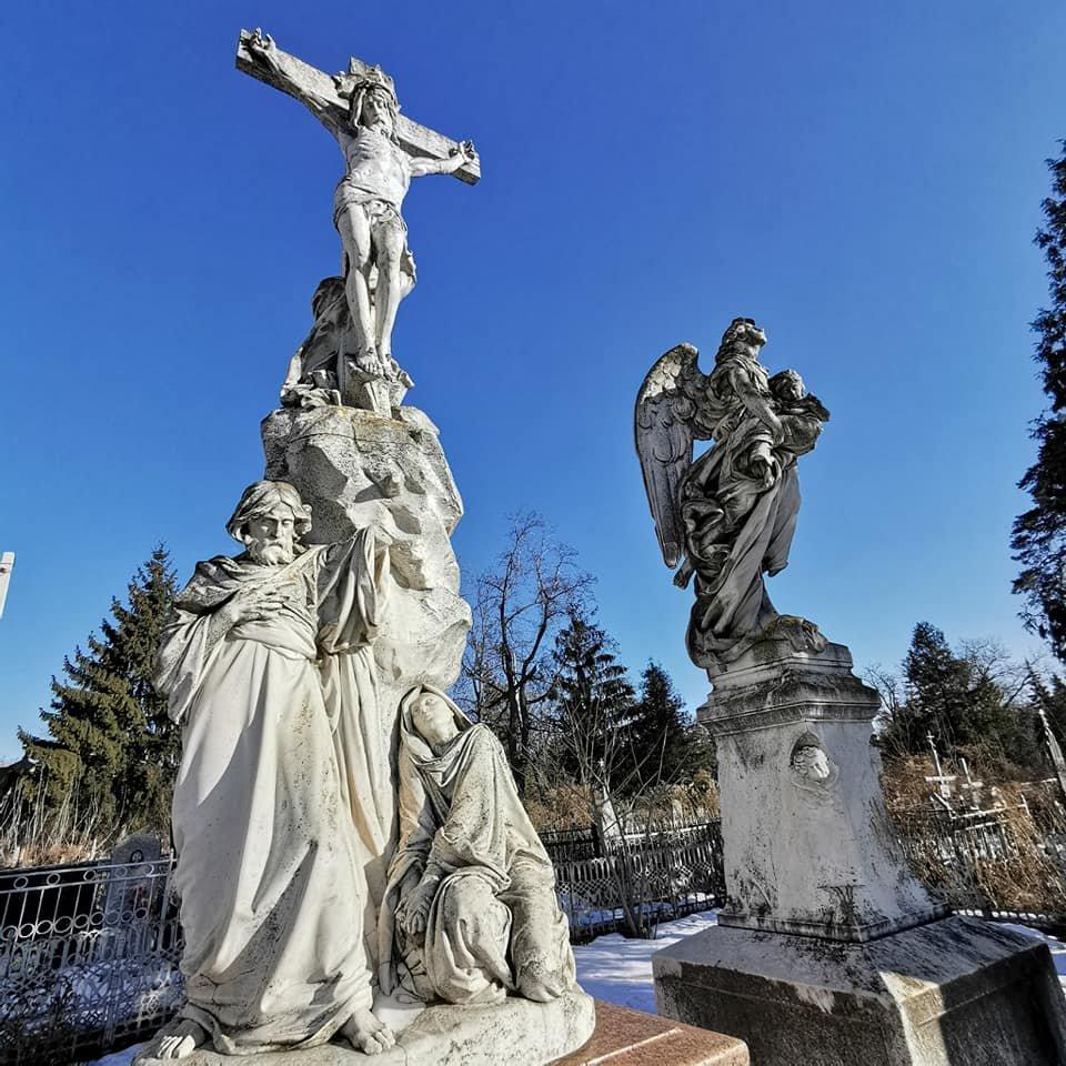 Фотофакт: скульптури Круазі у Сумах у катастрофічному стані, фото-6