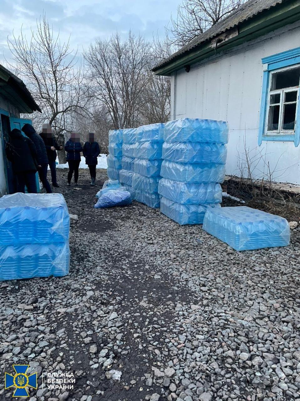 На Сумщині СБУ підозрює трьох мешканців регіону у масштабній реалізації спирту сумнівної якості , фото-1