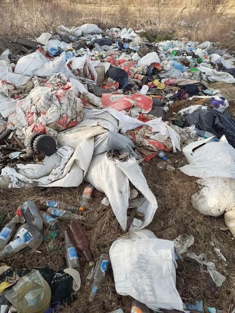 Село на Сумщині перетворили на сміттєзвалище, фото-5