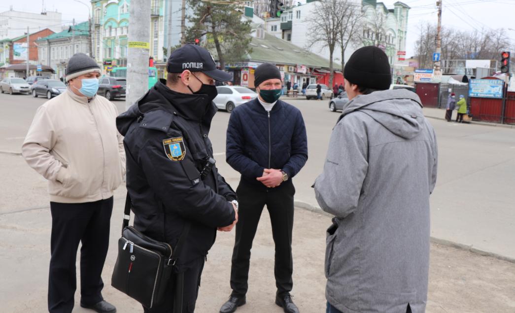 У Сумах на службі 28 груп із контролю за дотриманням маскового режиму, фото-1