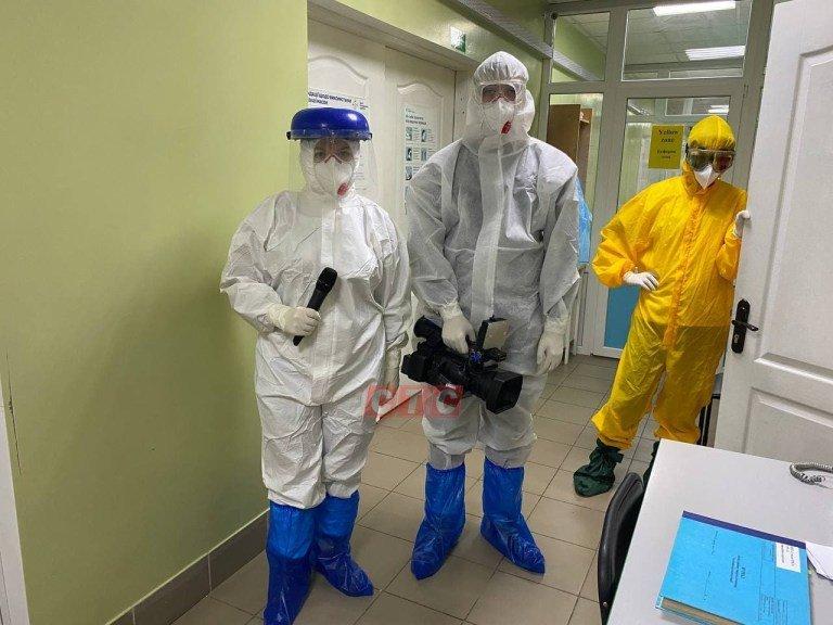 Сумські журналісти побували у відділенні, де лікують хворих на Covid-19, фото-3