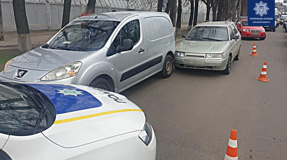 У Сумах зіткнулися ВАЗ та Peugeot, фото-1