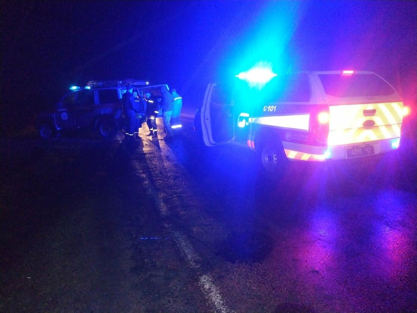 Тіла загиблих водіїв у ДТП під Сумами з понівечених авто діставали рятувальники, фото-2