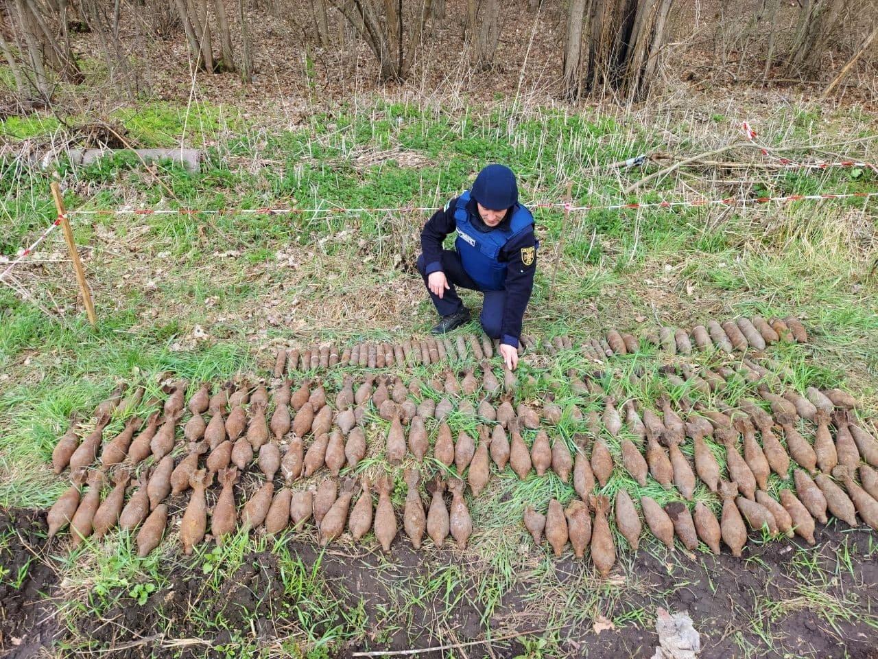За минулий тиждень на Сумщині знешкоджено 215 застарілих боєприпасів, фото-3