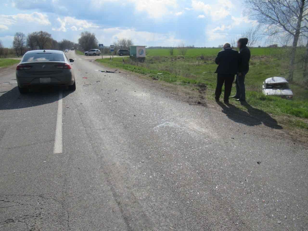 На Сумщині в ДТП постраждали 18-річна водійка та її пасажир, фото-1