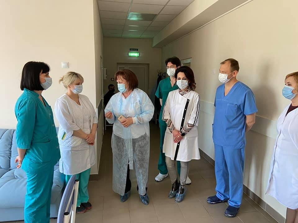 Маленьких пацієнтів та колектив дитячої лікарні Святої Зінаїди привітали із прийдешніми Великодніми святами , фото-2