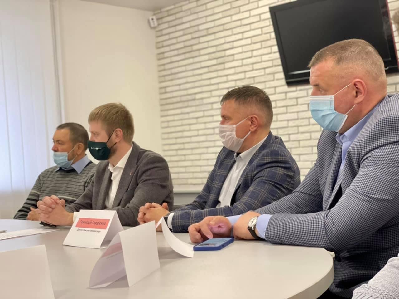 «Ні продажу української землі»: аграрії, фермери, землевласники Сумщини та депутати підписали резолюцію , фото-3