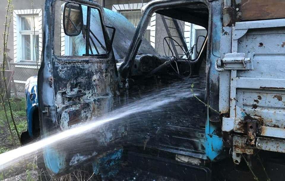 На Сумщині рятувальники ліквідували загорання вантажного автомобіля, фото-1