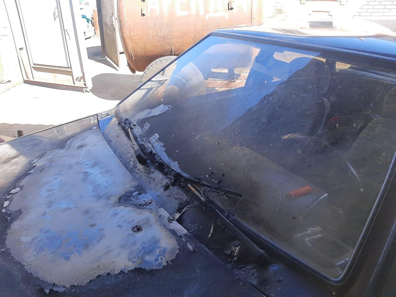 Жителю Старого Села під Сумами підпалили кухню та автомобіль, фото-1