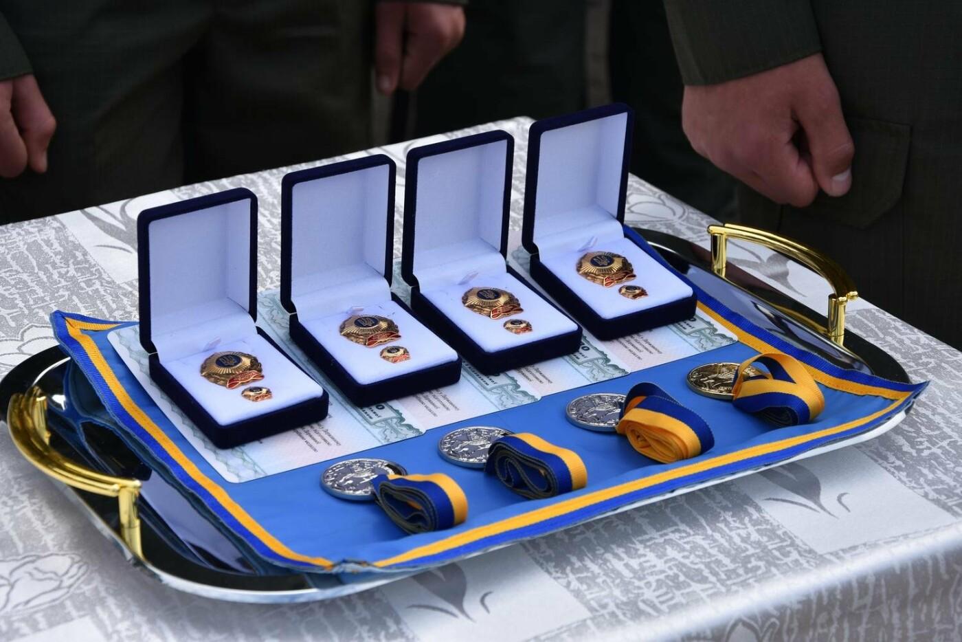 У Сумах понад 100 ліцеїстів прикордонного Кадетського корпусу стали випускниками, фото-10