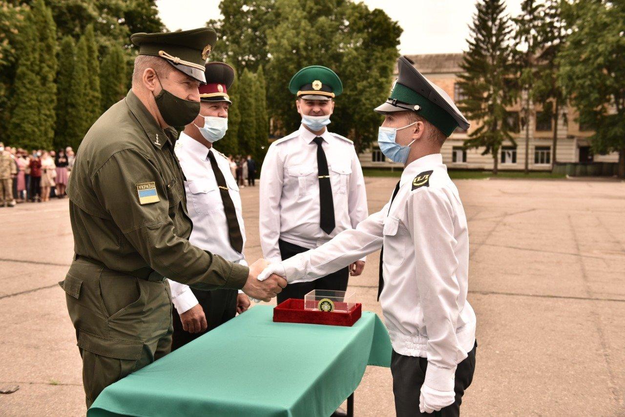 У Сумах понад 100 ліцеїстів прикордонного Кадетського корпусу стали випускниками, фото-12