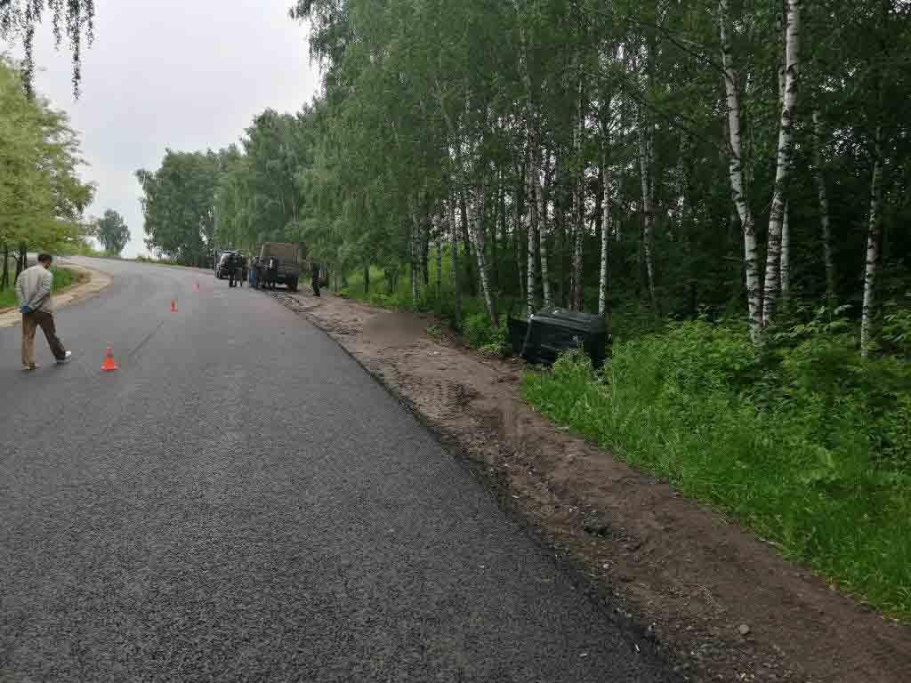 На Сумщині автомобіль врізався в дерево: водій загинув, фото-2