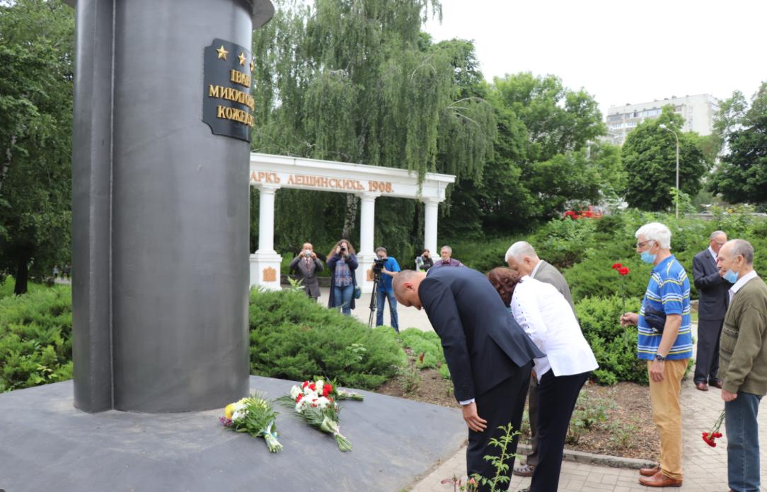 У Сумах вшанували ратний подвиг легендарного маршала авіації Івана Кожедуба, фото-3